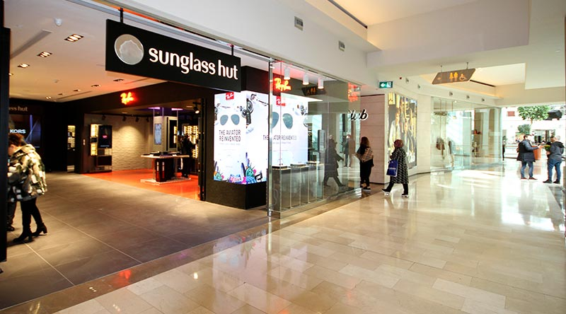 Istinye Park Mall Sunglass Hut Shop Corner Led Screen